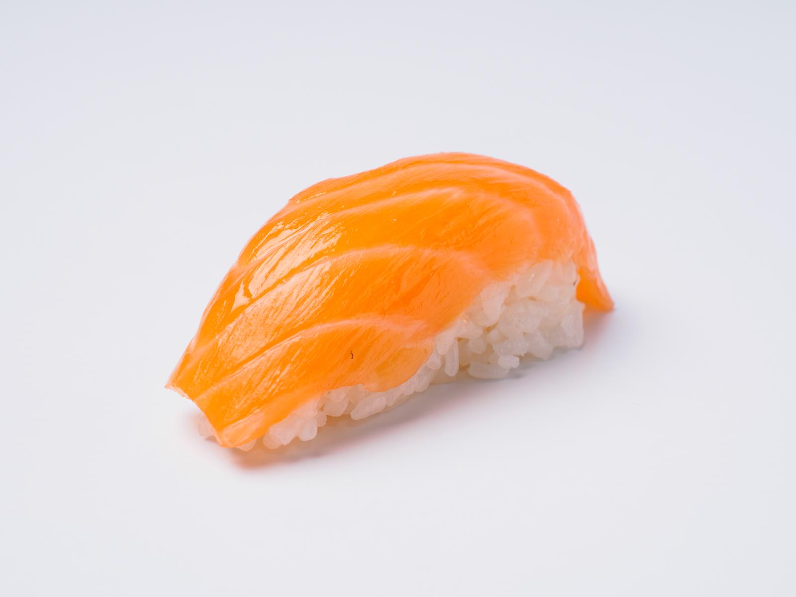 Нигири Сливочный копченый лосось