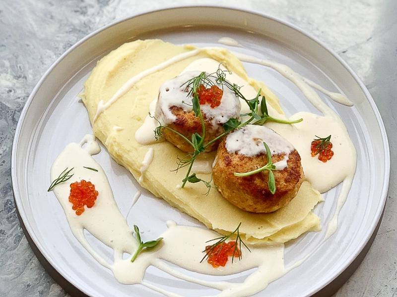Рыбные котлеты с картофельным пюре