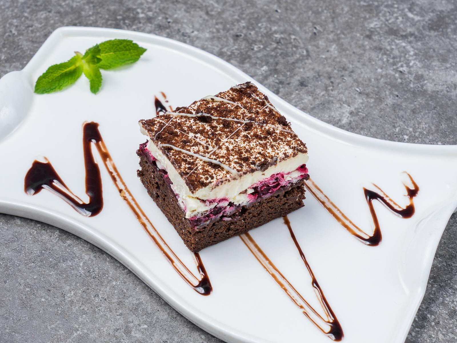 Торт Шоколадно-ягодный