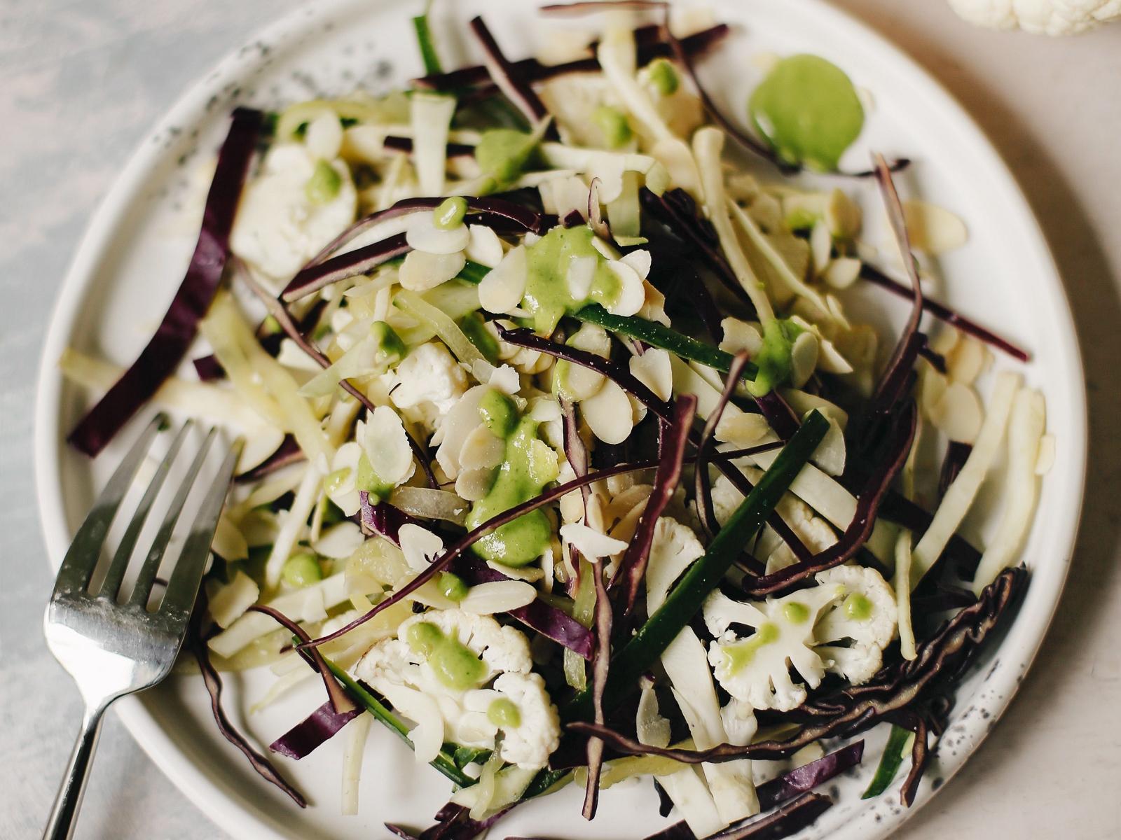 4 вида капусты с миндалем