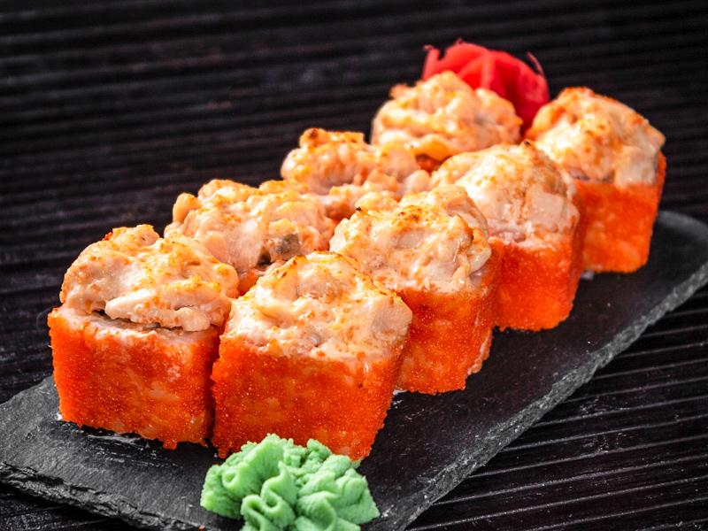 Запечённый сырный ролл с лососем