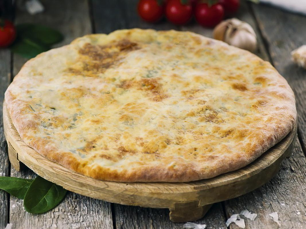 Пирог со шпинатом и сулугуни