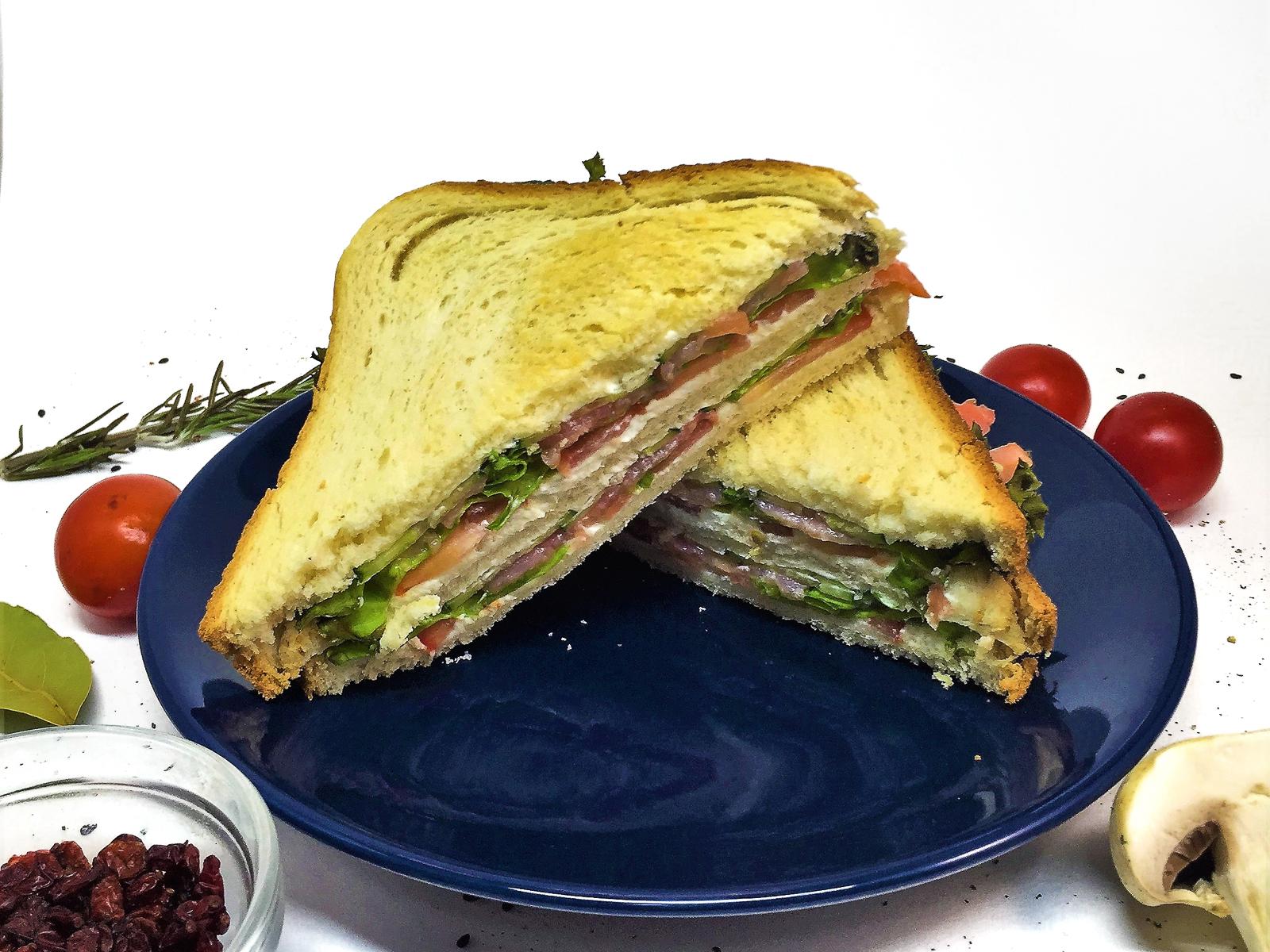 Сэндвич с нежным лососем