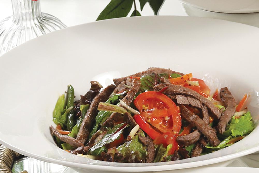 Салат из телятины с овощами