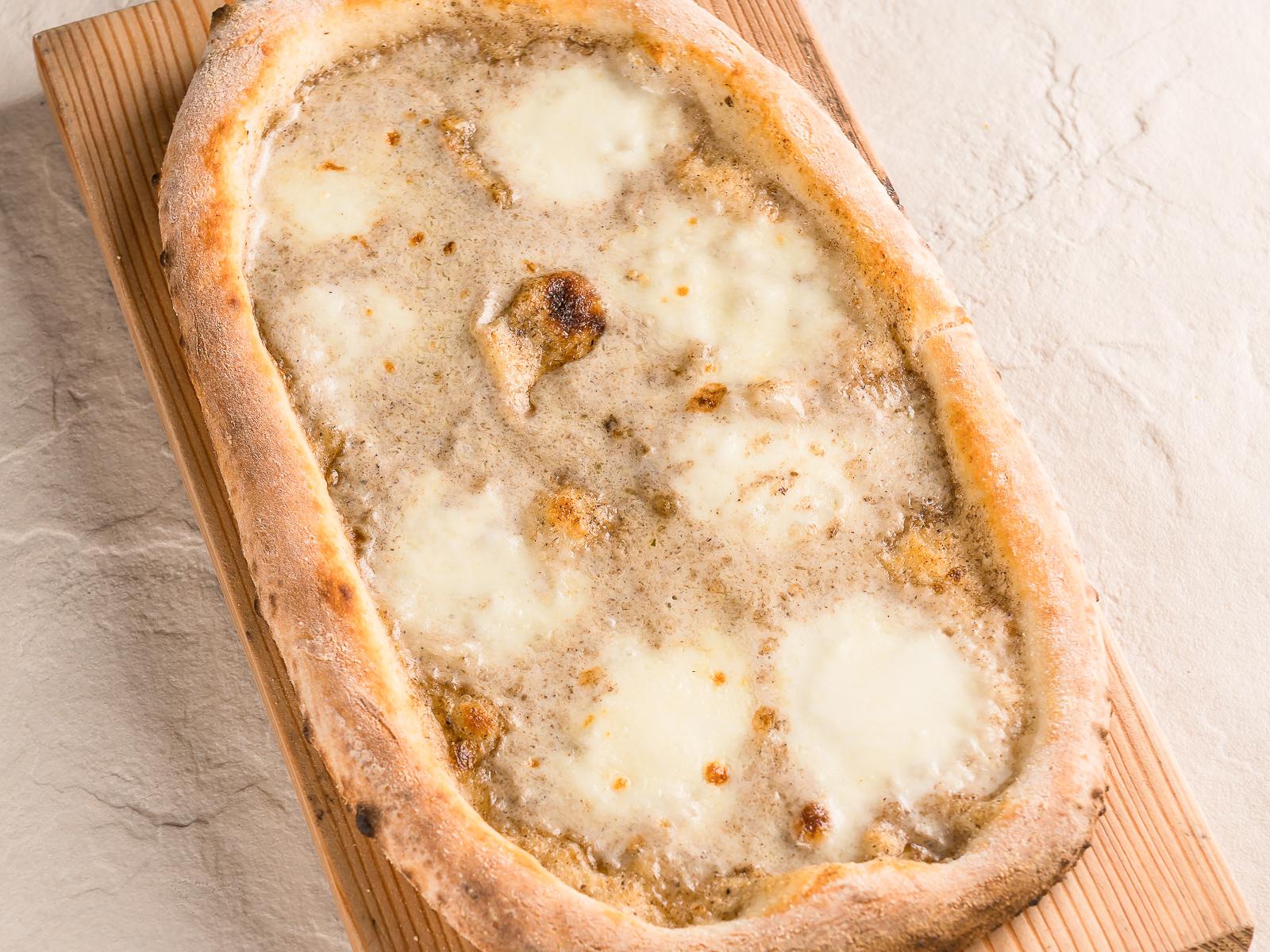 Пицца Крема ди тартуфо