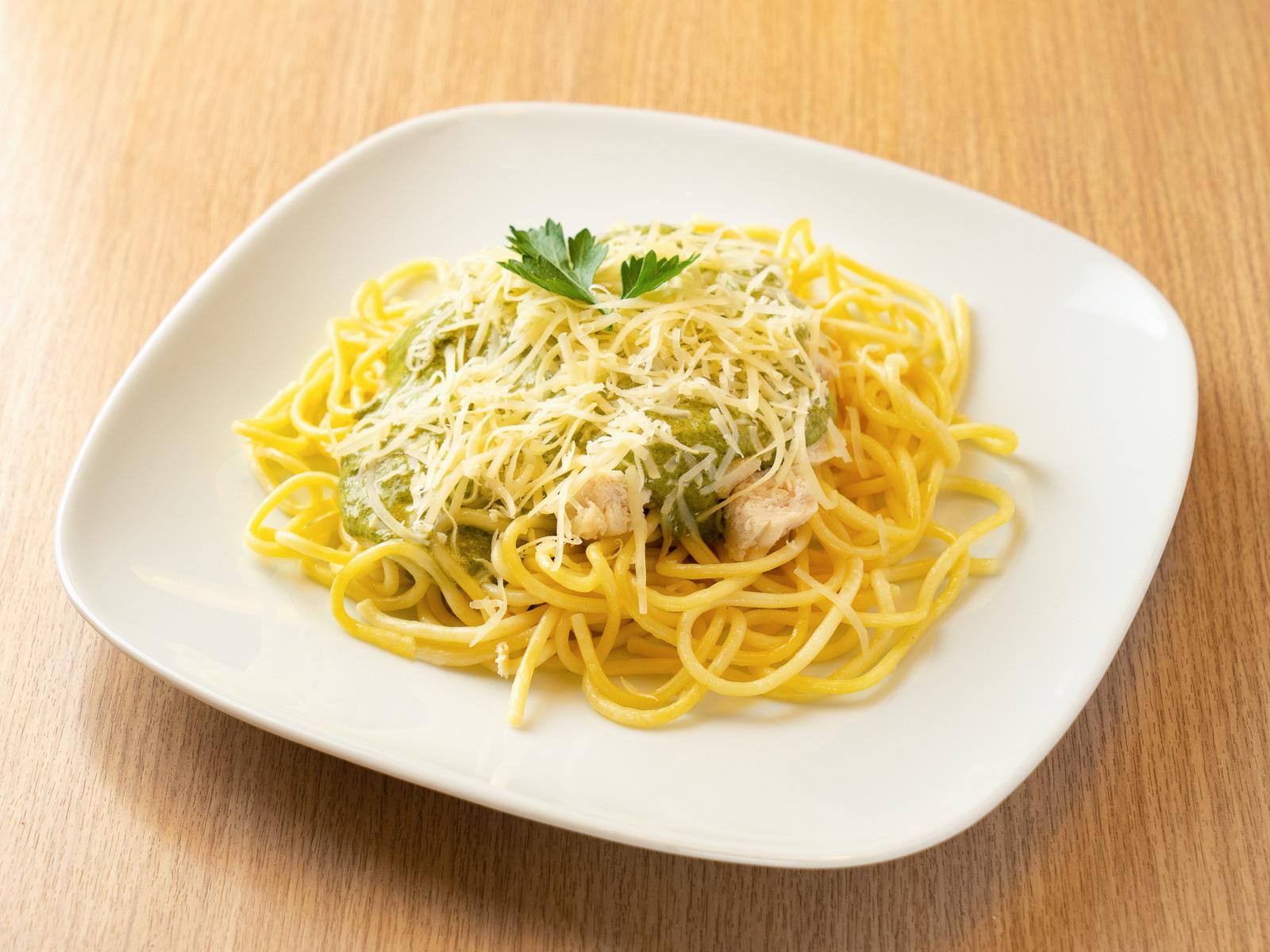 Спагетти с цыпленком и соусом Альдредо