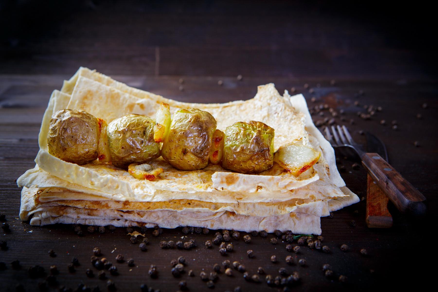 Картошка на мангале с курдюком