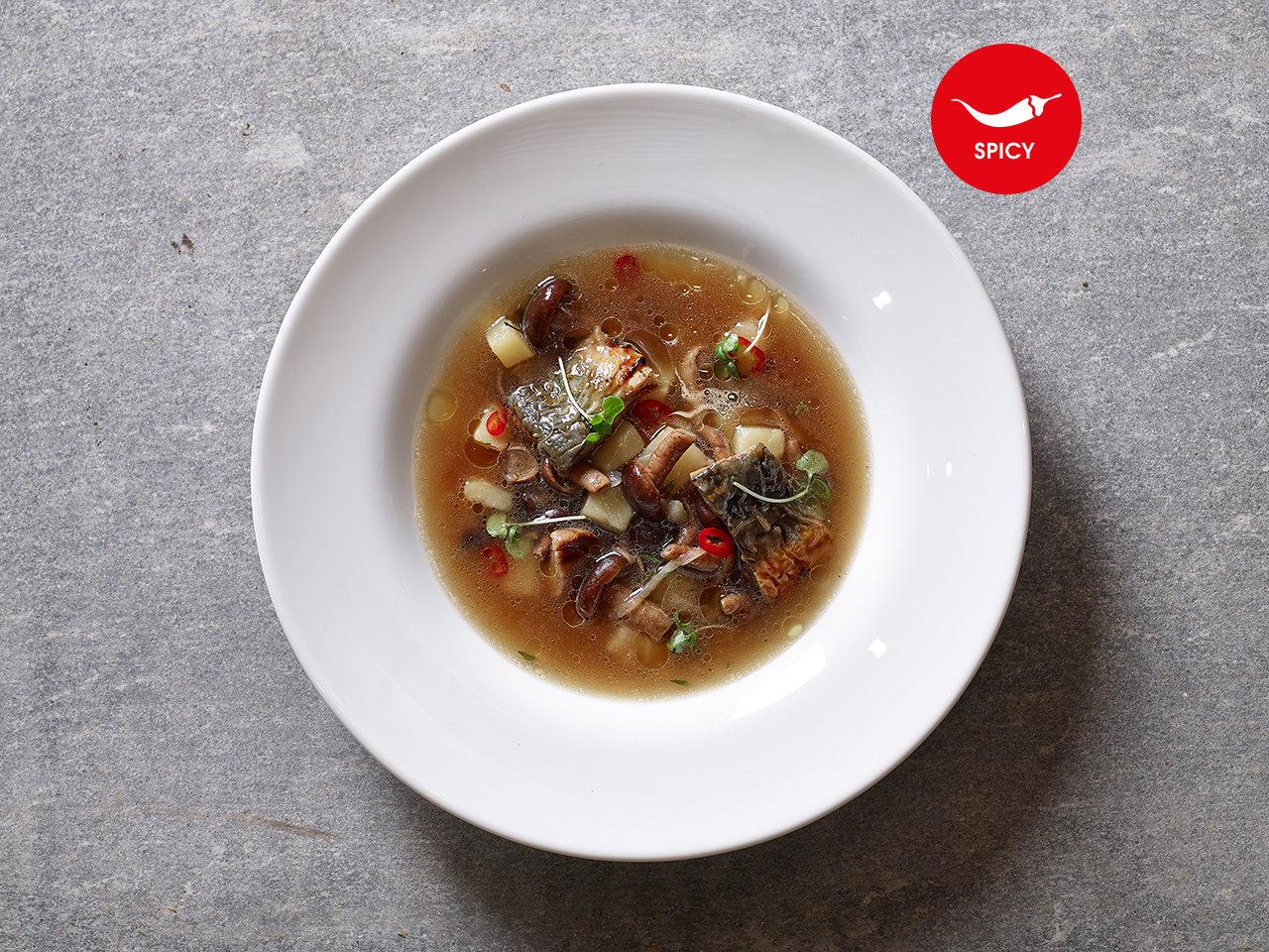Грибной суп с копчёным угрём