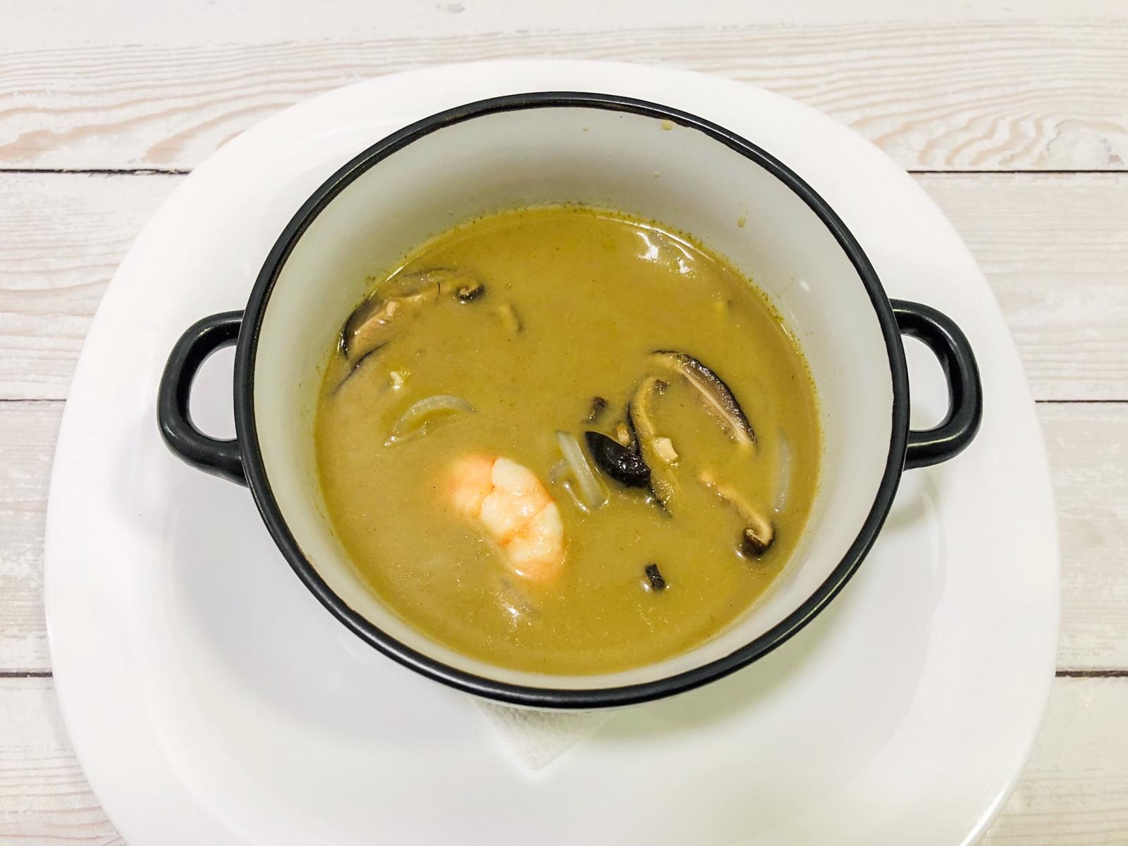 Острый суп Карри эби