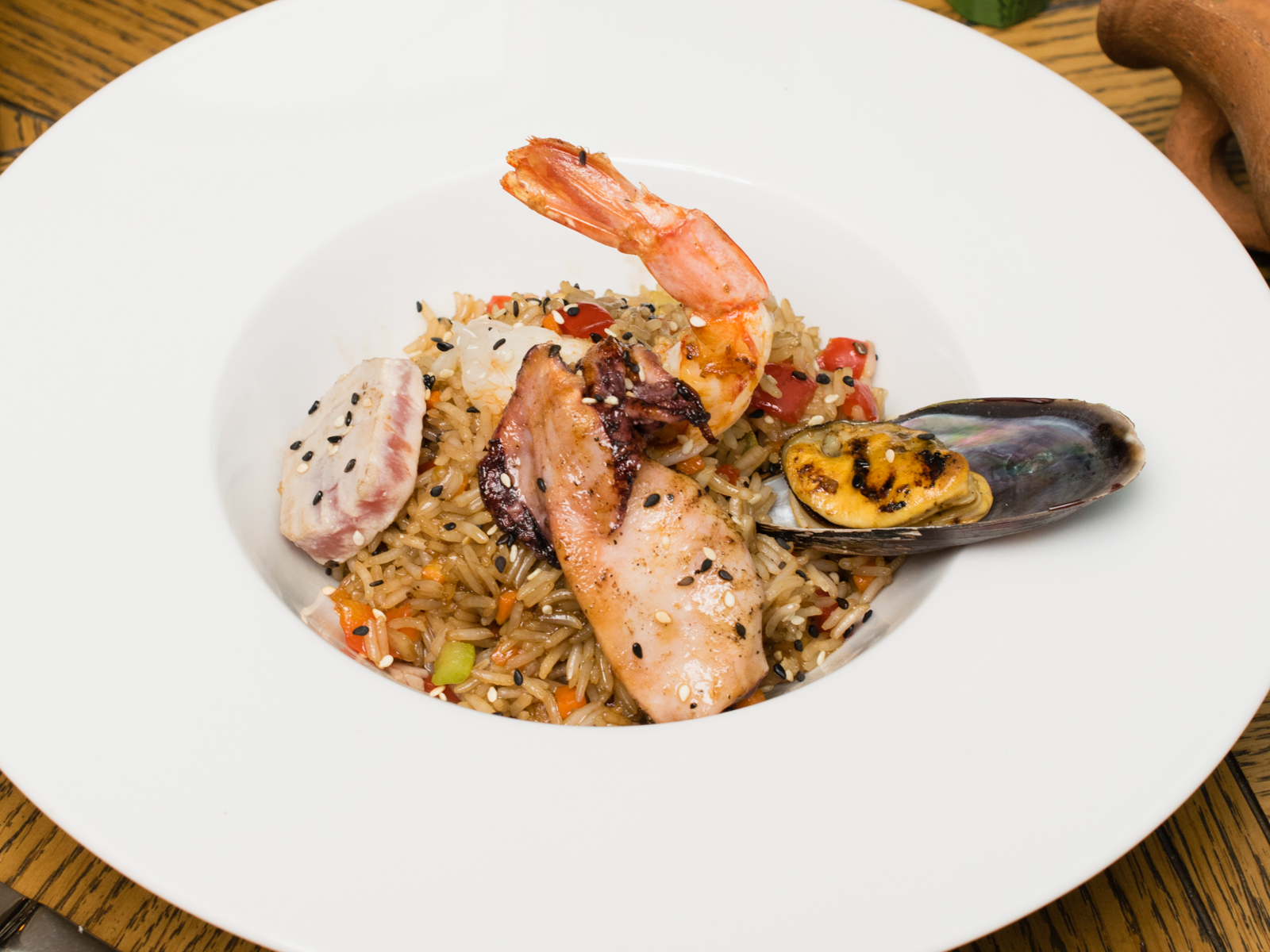 Рис с морепродуктами по азиатски
