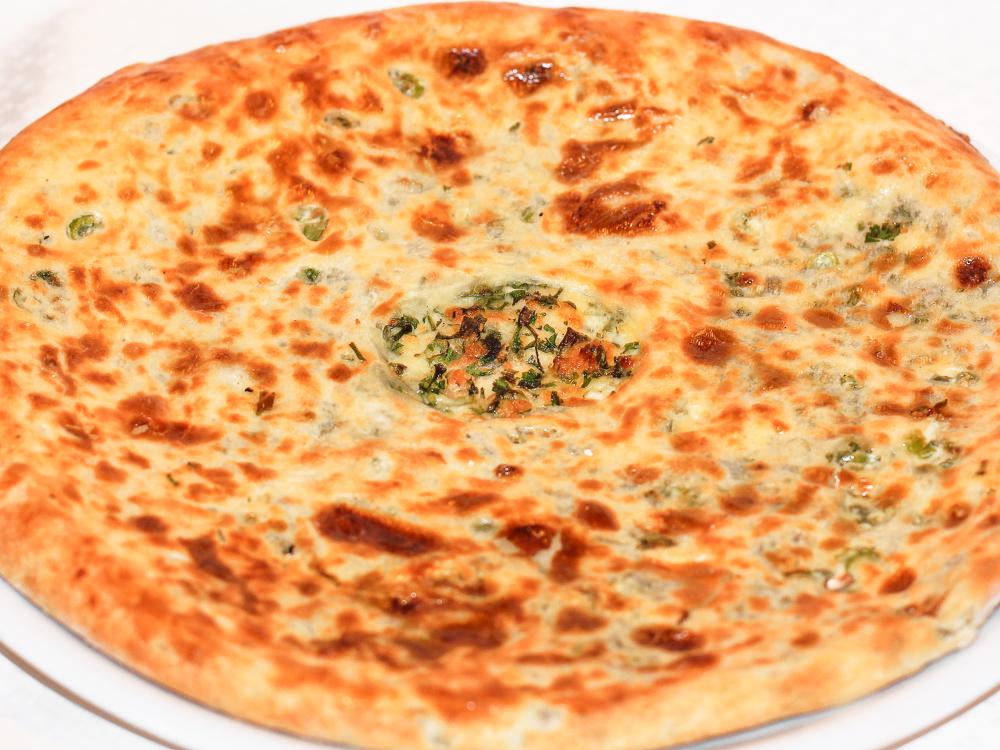 Хачапури c сыром и зеленью