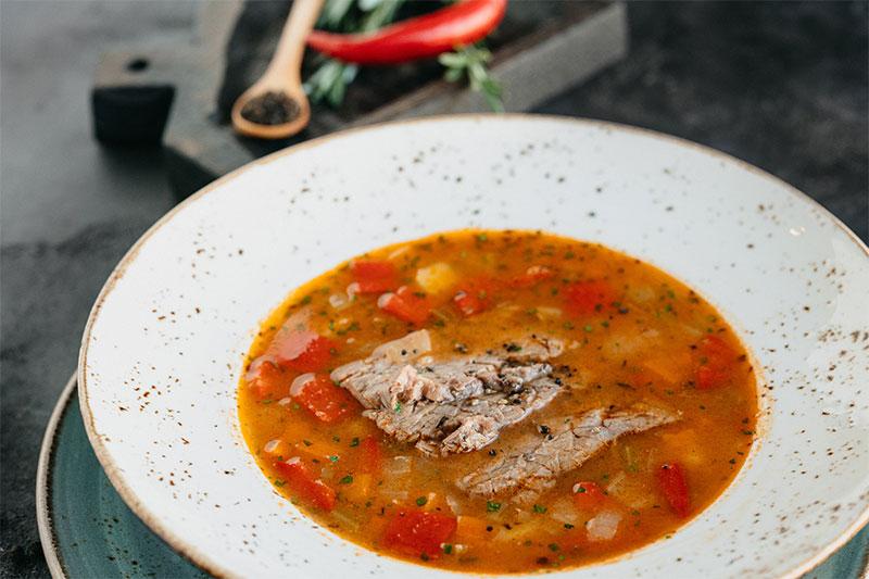 Густой овощной суп с белой фасолью