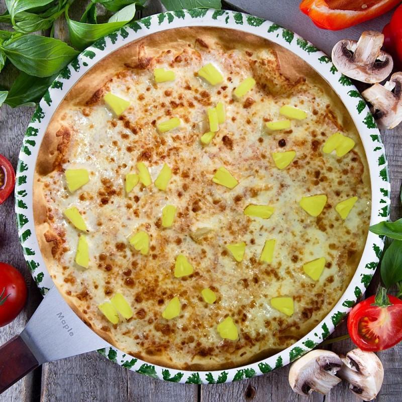 Пицца с ананасами