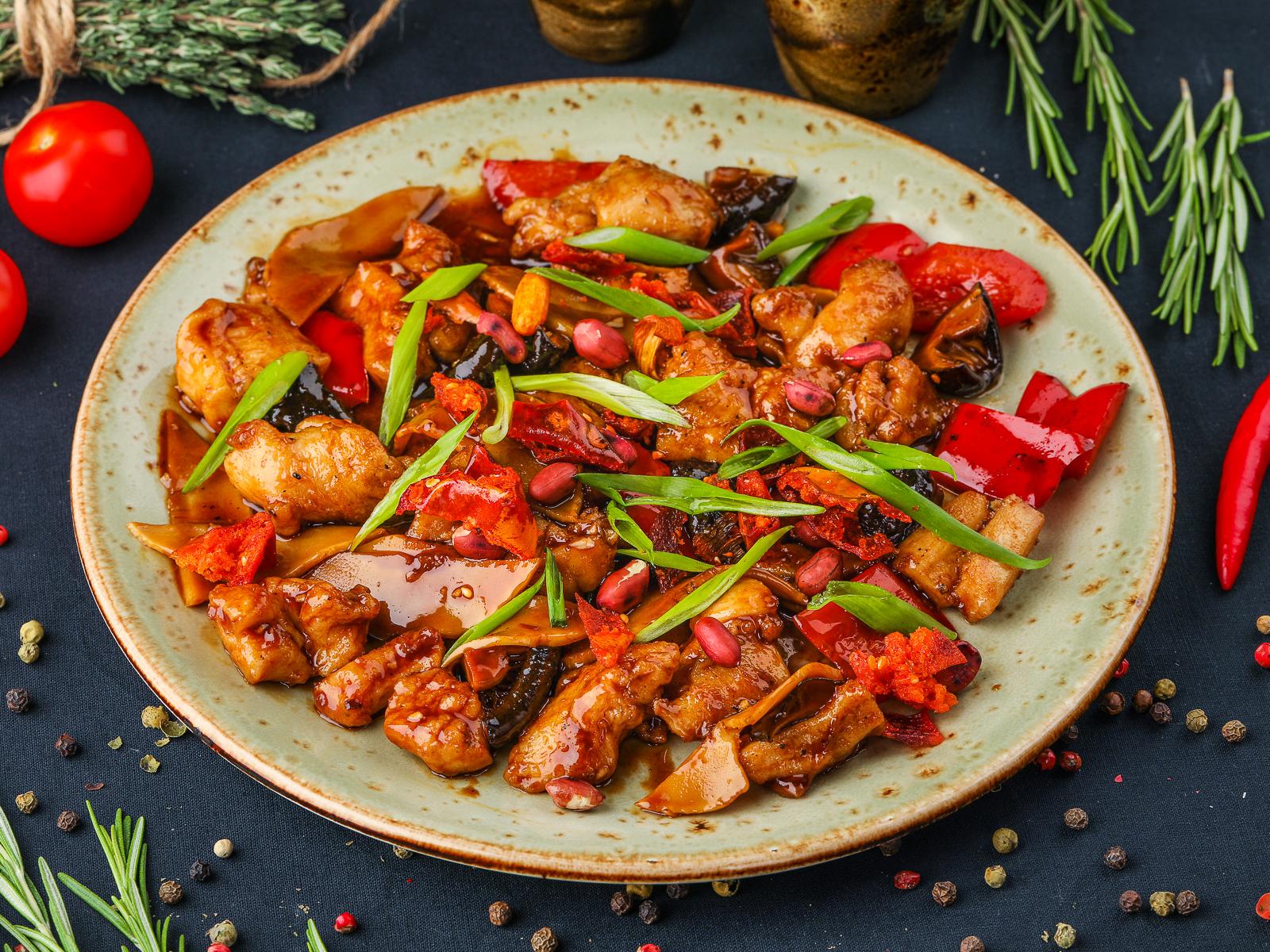 Курица гунбао с острым соусом