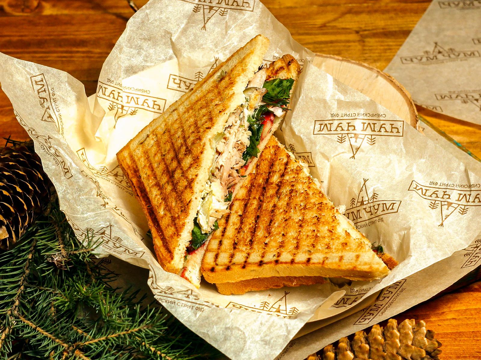 Сендвич с рваной свининой