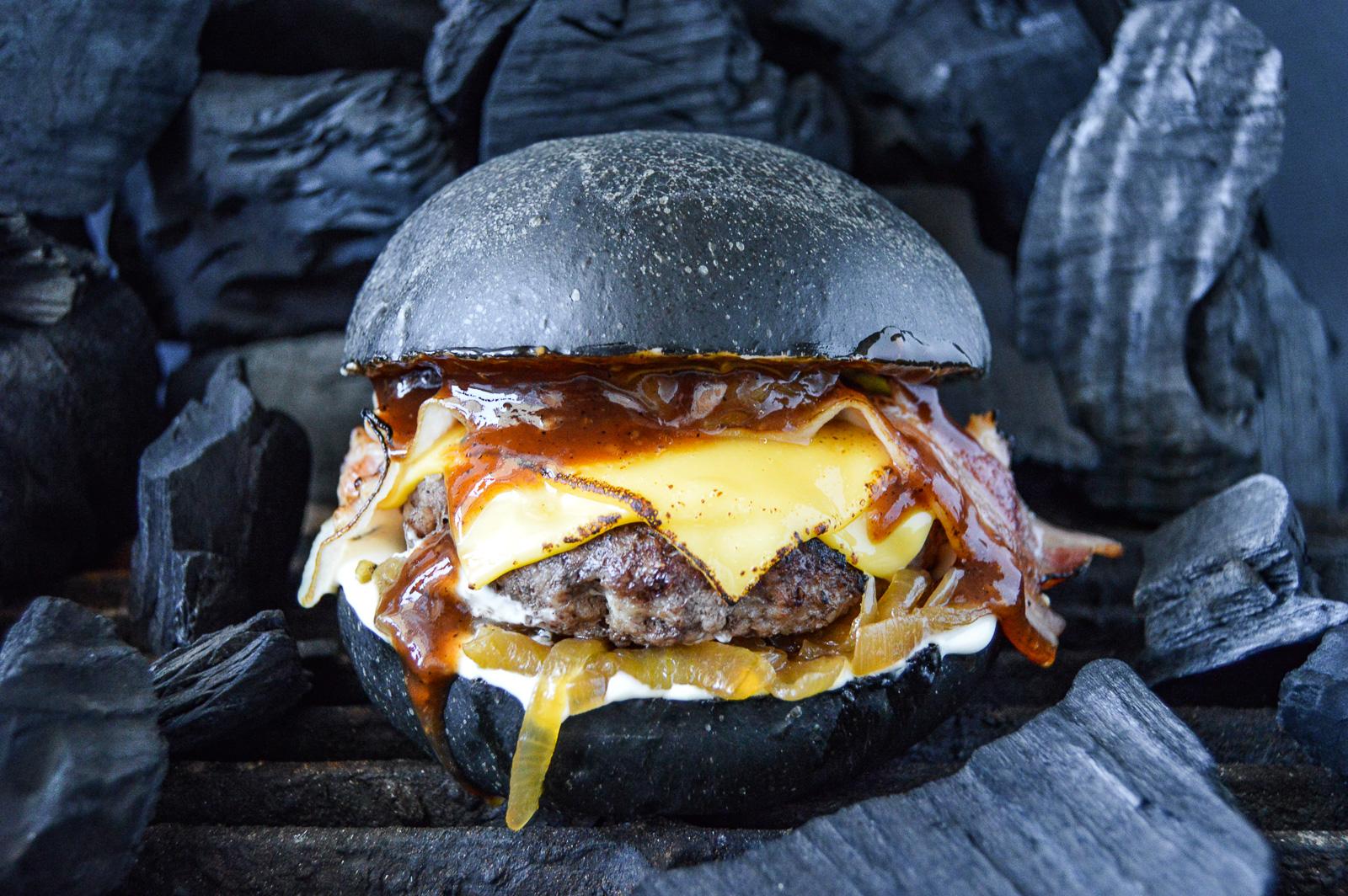 Бургер Черный барбекю