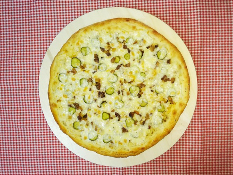 Пицца Свинина с огурчиками