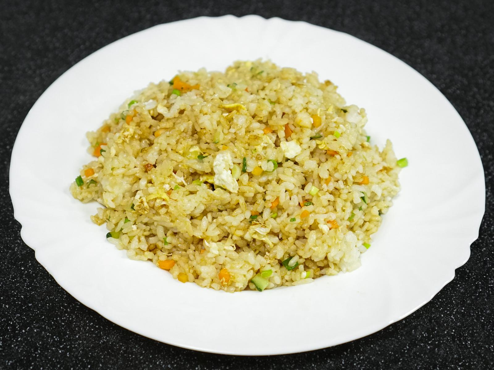 Жареный рис с соевым соусом