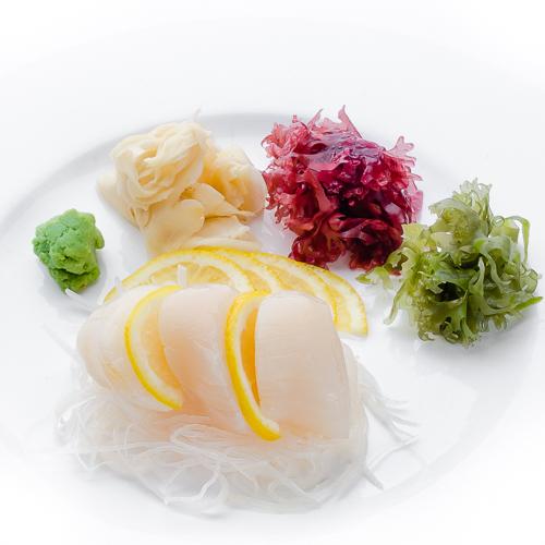 Сашими хотате морской гребешок