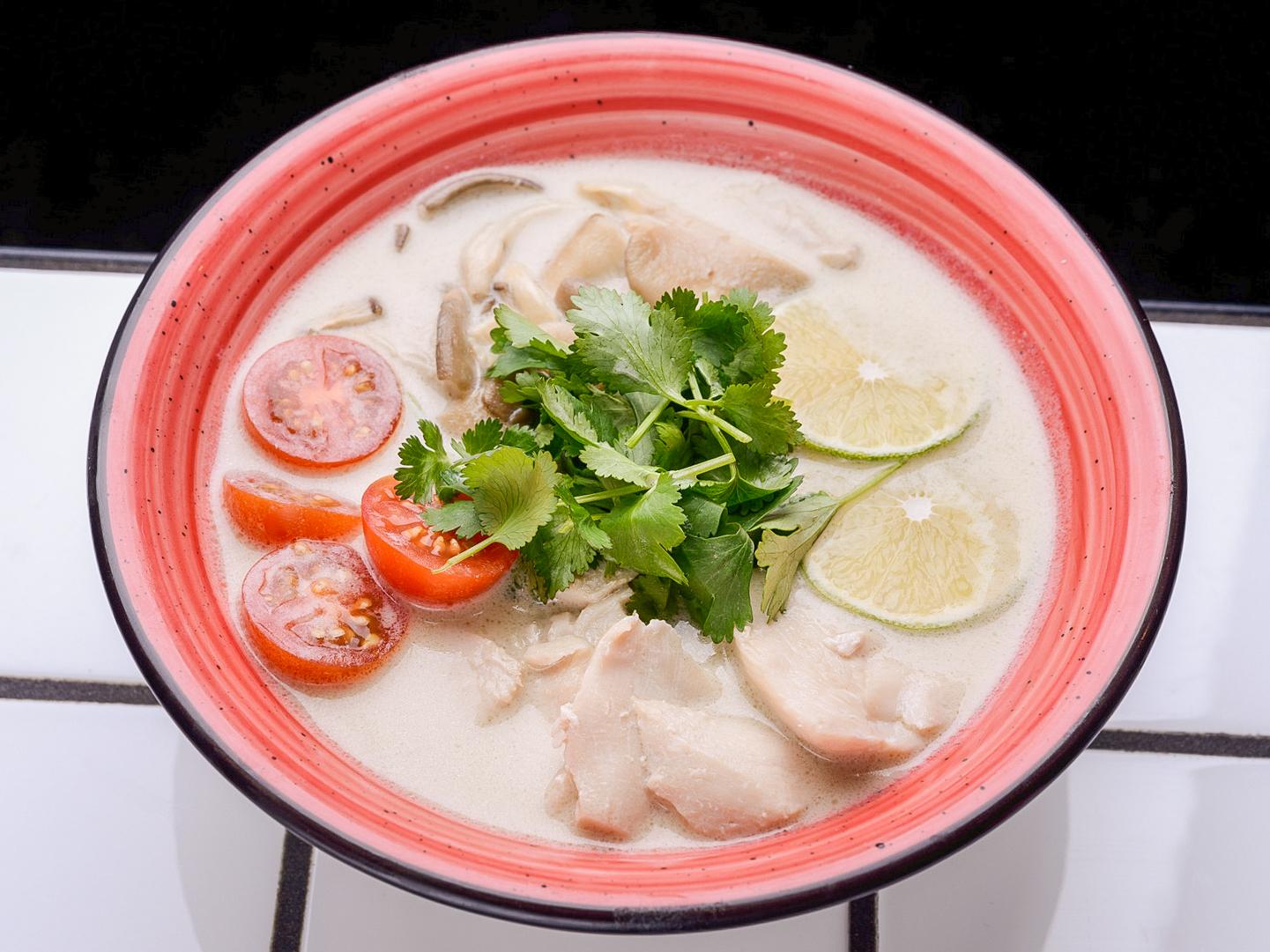 Суп Том Кха Кай с курицей