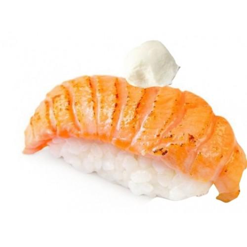 Суши теплый лосось