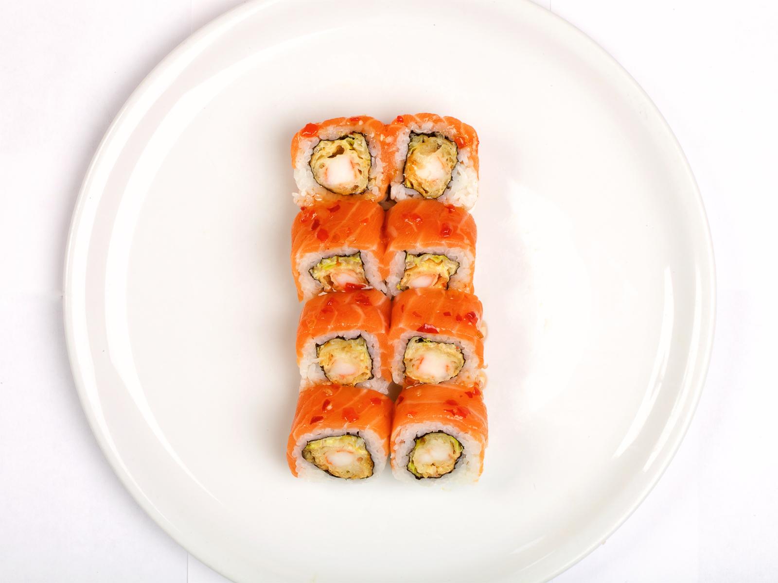 Ролл с креветкой темпура и лососем