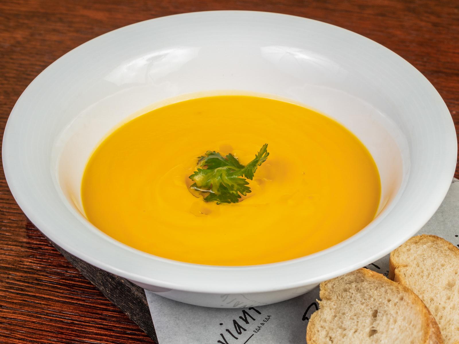 Тыквенный крем-суп с трюфельным маслом
