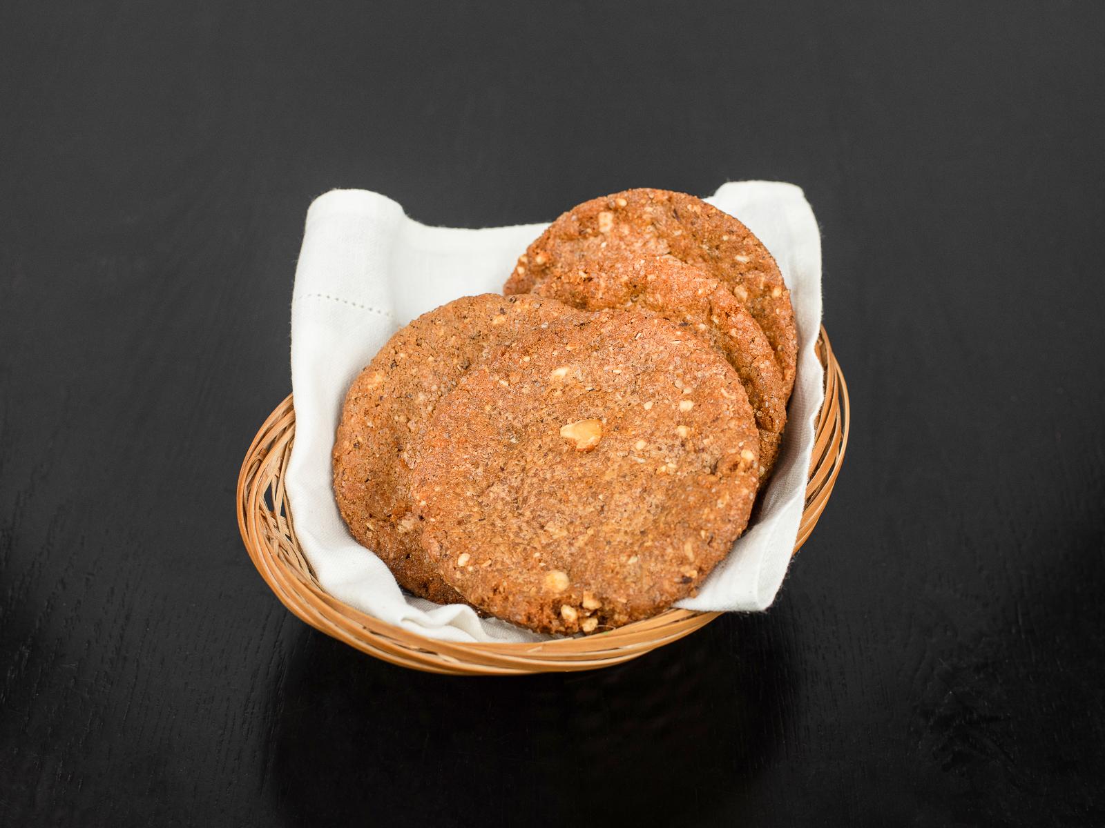 Кукис с белым шоколадом и фундуком