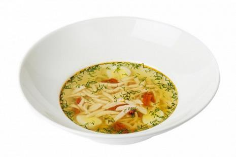 Суп-лапша с индейкой и перепелиным яйцом