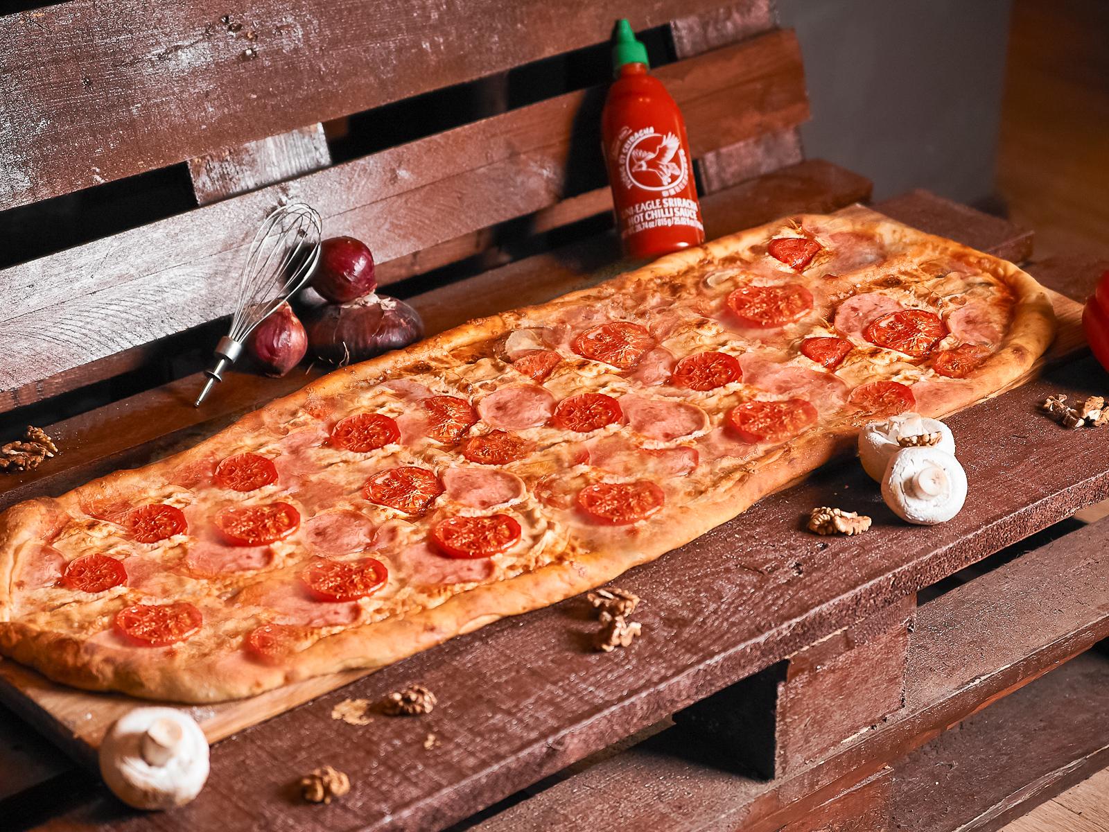 Пицца Мясная метровая