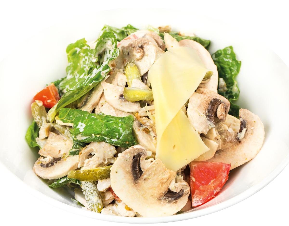 Салат из курицы с соусом тар-тар