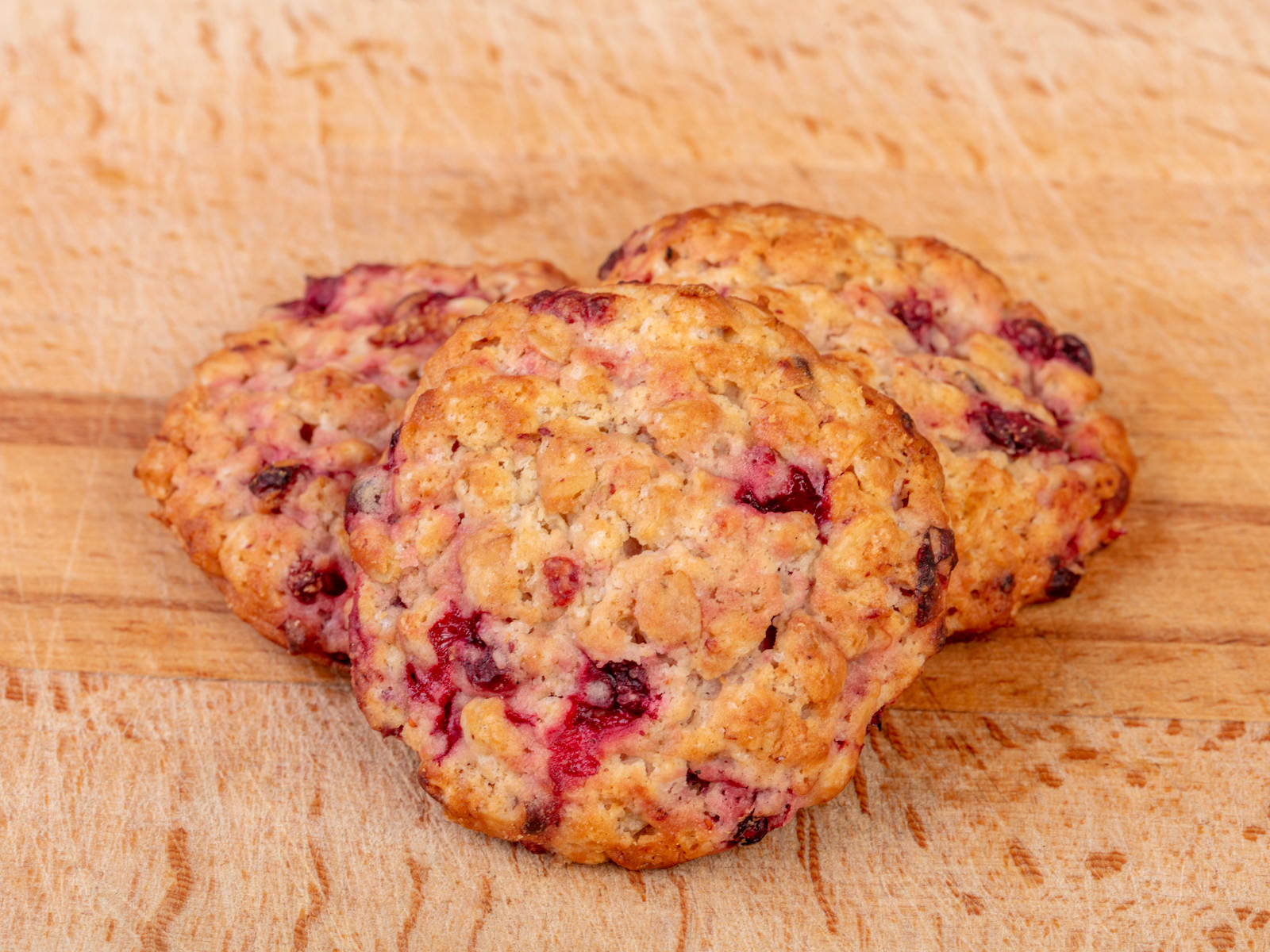 Печенье овсяное с брусникой