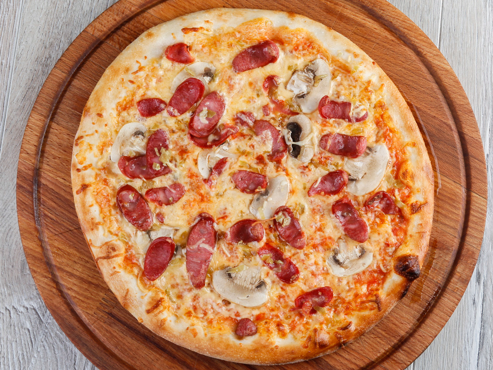 Пицца По-охотничьи