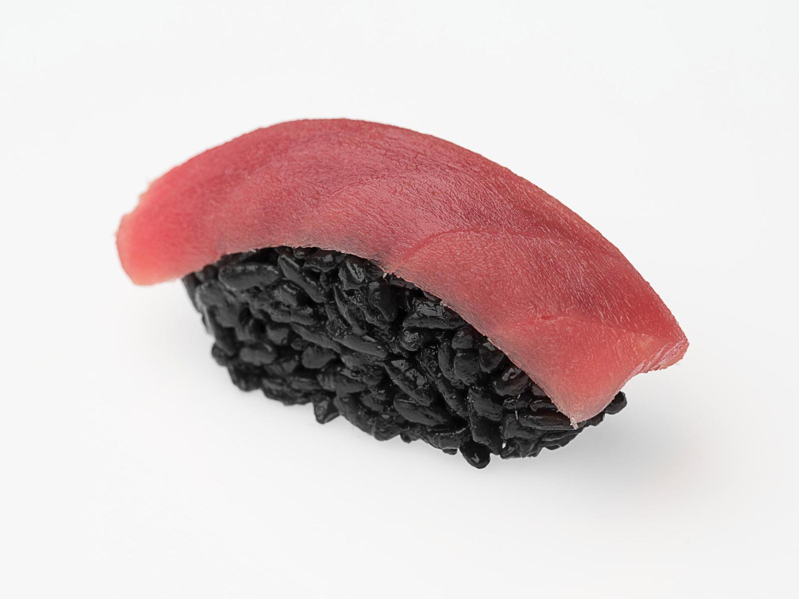 Суши Блек с тунцом