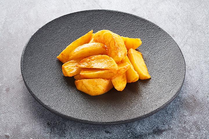 Картофель по-фермерски в уголке большой