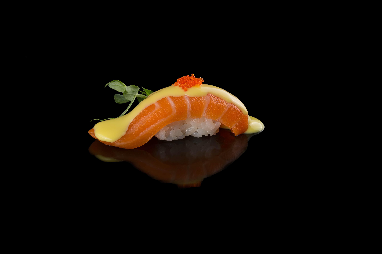 Суши Никкей лосось