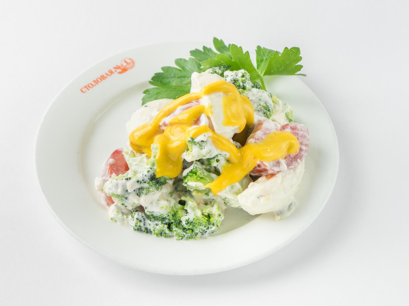 Салат из брокколи с помидором