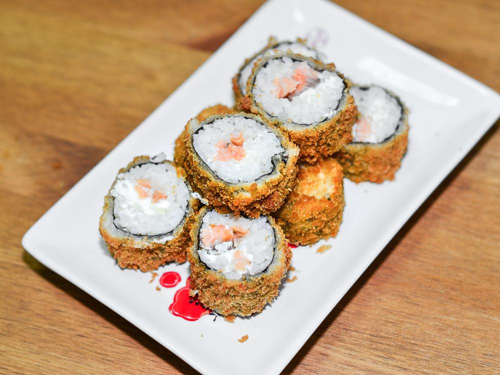 Темпура ролл с лососем