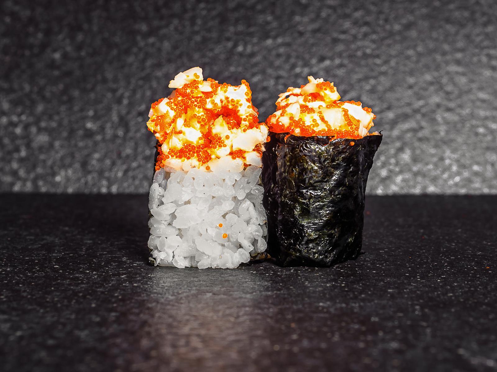 Суши тобико с креветкой