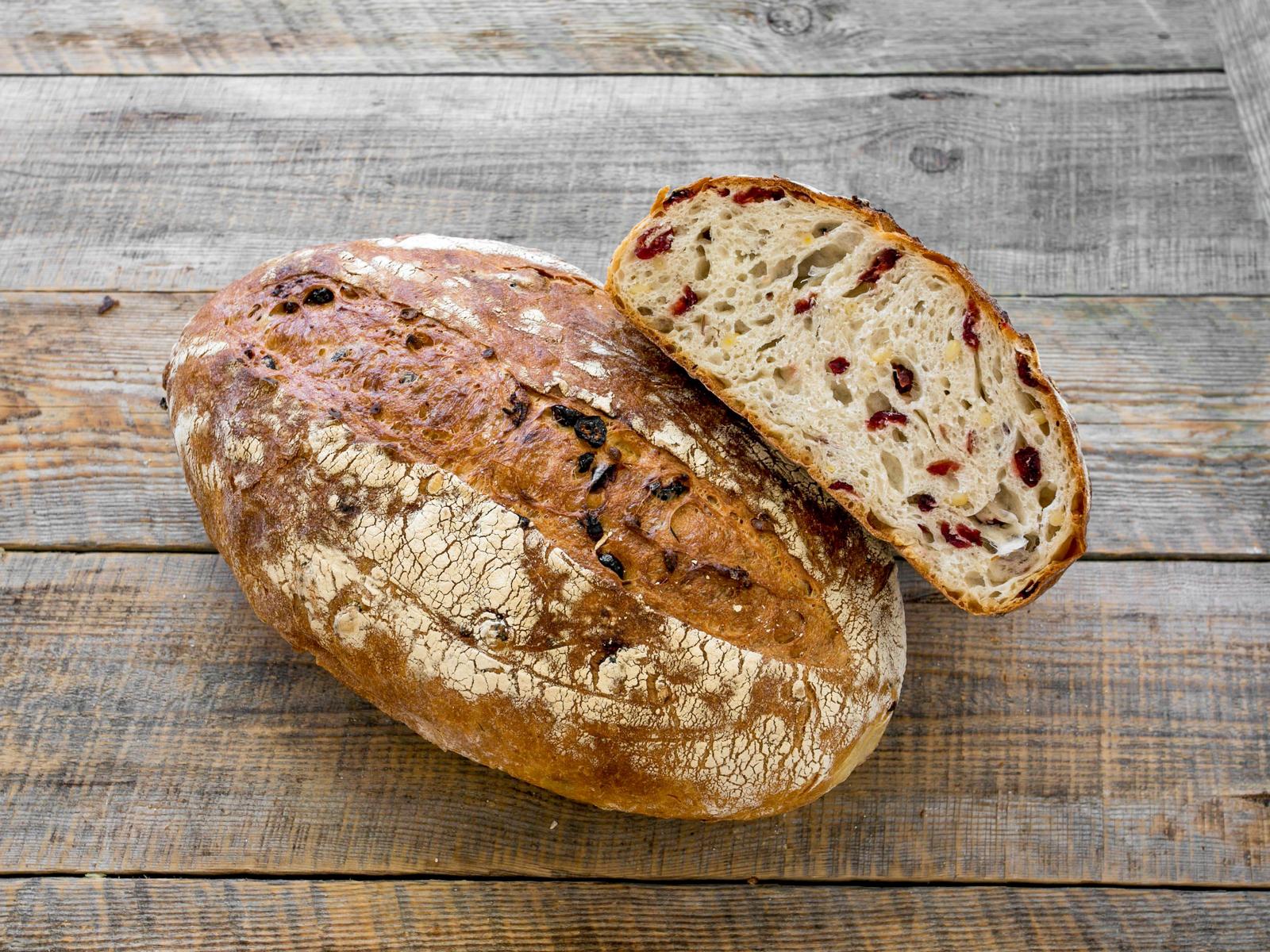 Хлеб Сибирский с клюквой и кедровым орехом