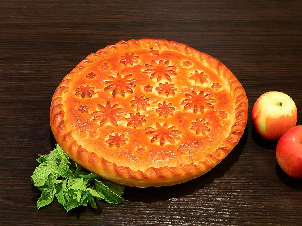 Осетинский пирог с яблоками и корицей