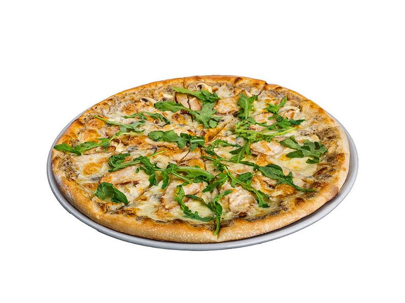 Пицца с цыплёнком и трюфельным соусом