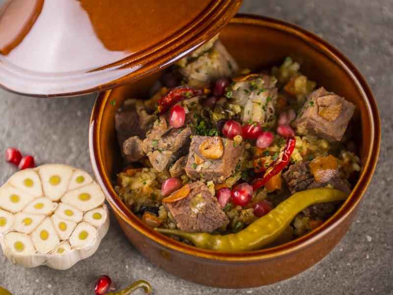 Тажин с говядиной в тажанском стиле
