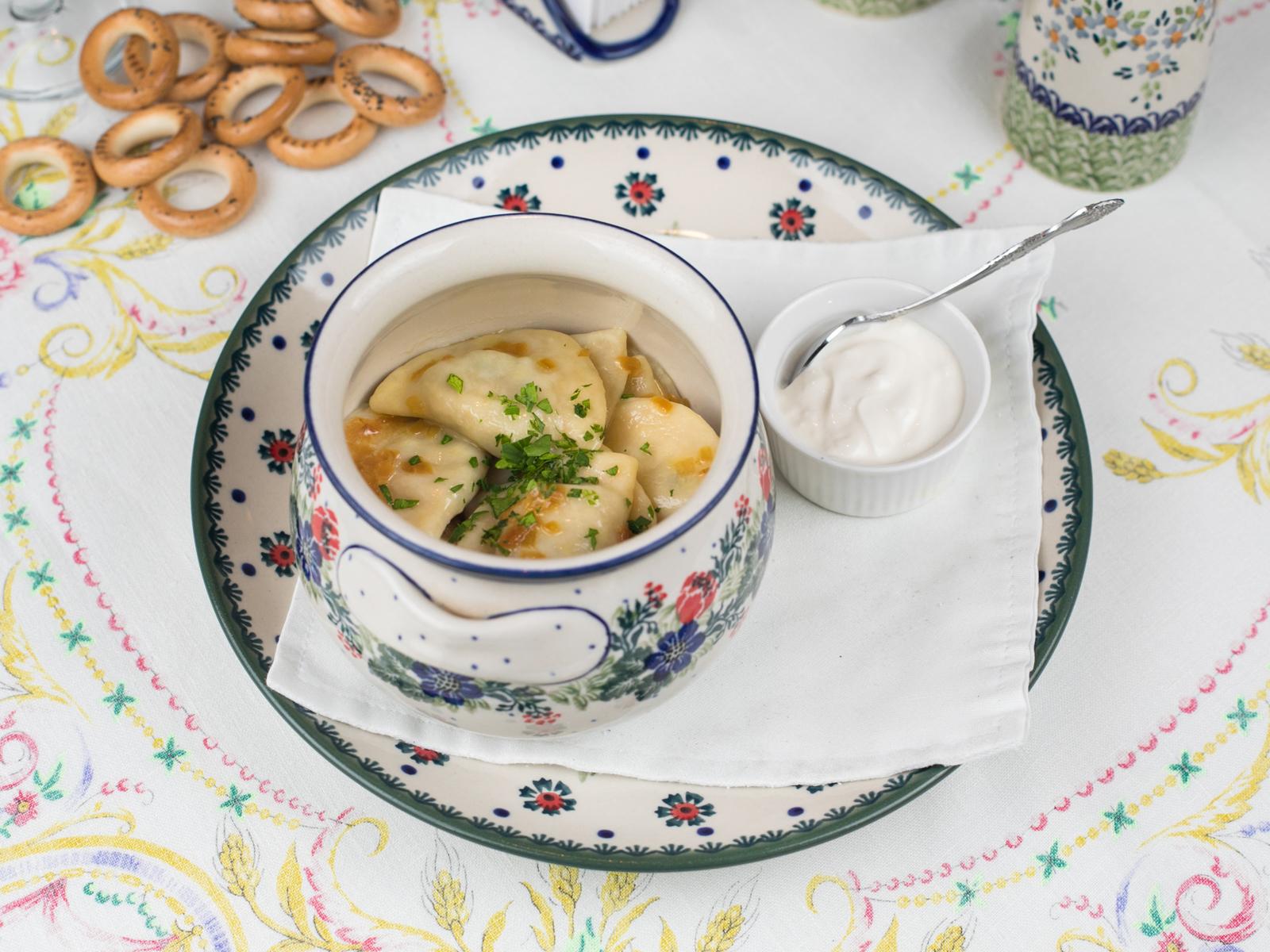 Вареники с картофелем, грибами и луком